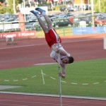 Nicolas Cole in pole vault at Cardiff